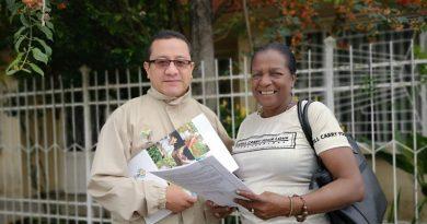 Tras haber sido desplazada por la violencia recibió vivienda como indemnización