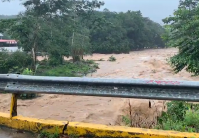 Fuertes lluvias provocaron creciente de ríos y quebradas de Mocoa