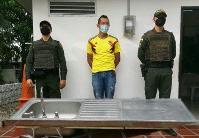 ¡No perdonan nada!: Sujeto fue capturado hurtándose un lavaplatos