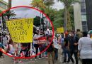 Atención: Comerciantes nocturnos protestan frente al edificio de la Gobernación del Putumayo